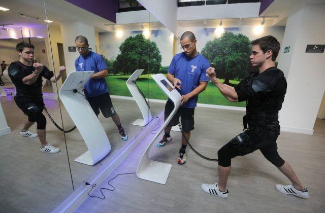 Felipe Castro, em treino muscular.       Foto: NILTON FUKUDA/ESTADÃO